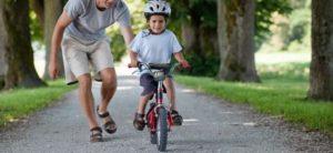 10 Простых советов как научить ребенка езде на велосипеде