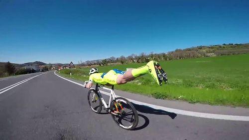 А вы помогаете другим велосипедистам?