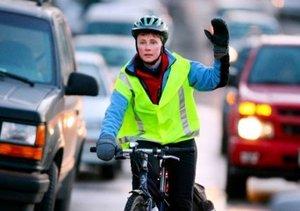 Безопасная поездка на велосипеде по автомобильным дорогам