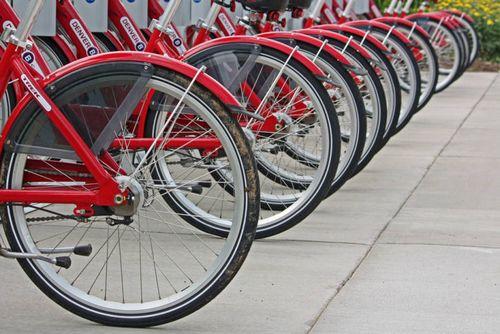 Чем больше в стране велосипедистов, тем меньше они гибнут