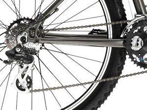 Что делать, если слетает цепь на велосипеде?