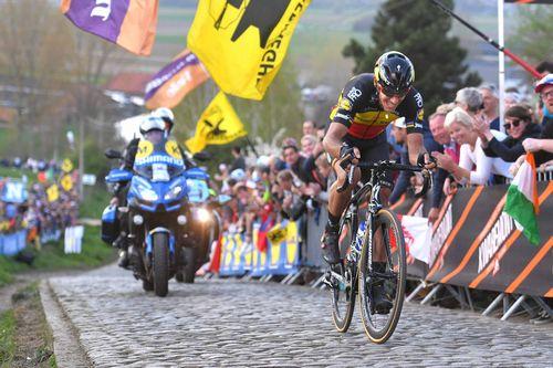 Филипп жильбер выиграл первый этап три дня де-панне 2017