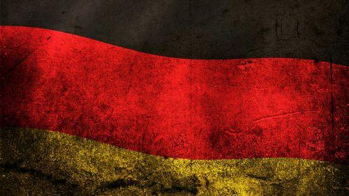 Германская машина впереди