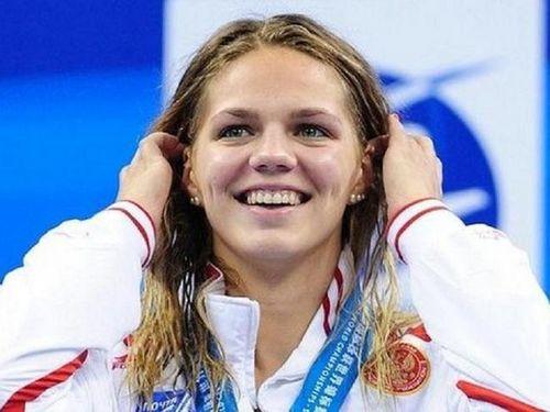 Юлия ефимова: не хотела плыть быстро, но публика расслабиться не дает