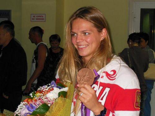 Юлия ефимова в тюмени сделала маникюр и пожарила шашлыки