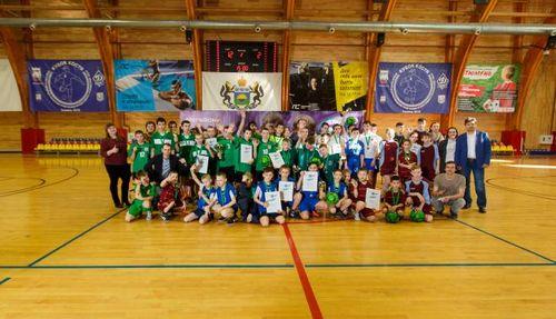 Юные футболисты карасульской школы-интерната выступят на соревнованиях в екатеринбурге