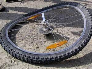 Как исправить восьмерку колесе на велосипеде?