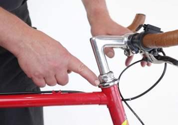Как поднять или опустить руль велосипеда