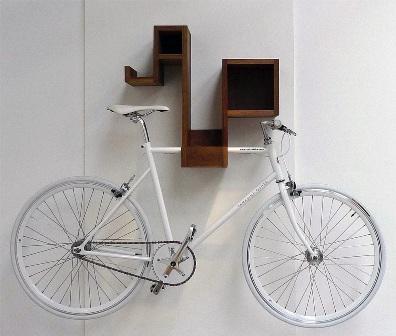 Как повесить велосипед на стену