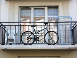 Как правильно хранить велосипед на балконе