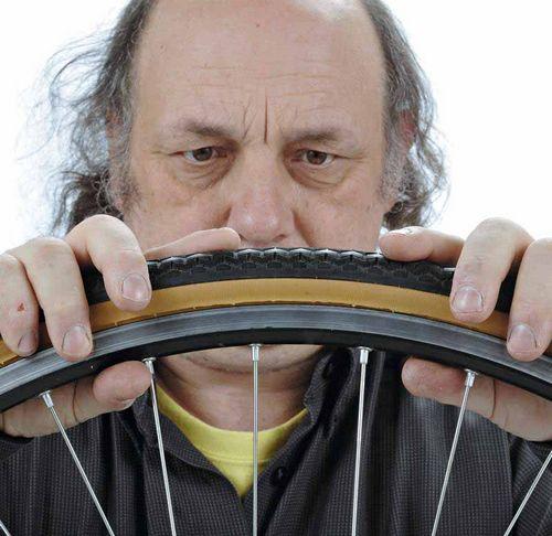 Как правильно заклеить камеру велосипеда и отремонтировать покрышку