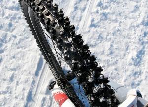 Как сделать шиповку колес велосипеда?