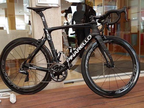Компания pinarello представила новый шоссейный велосипед dogma f10