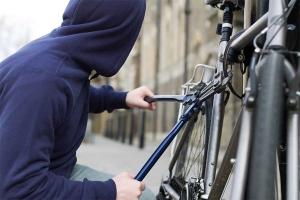 Кража велосипеда из подъезда и на улице