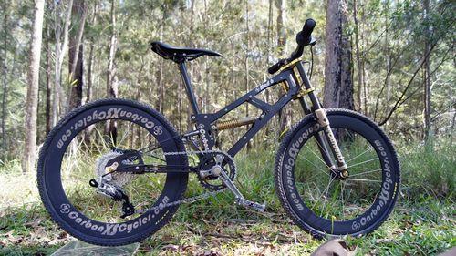 Mad 6 - детский карбоновый велосипед