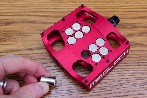 Maglock - магнитные педали для горного велосипеда