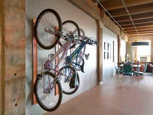 Настенные держатели для велосипедов и их разновидности