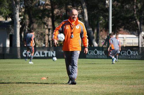 Назначен новый тренер сборной россии по футболу... и это не артем хасанов!