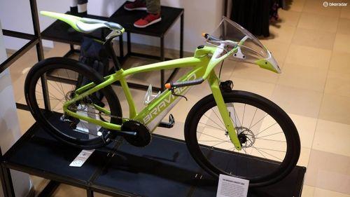 Нужен ли велосипеду обтекатель?