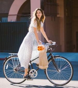 Почему женщинам полезно ездить на велосипеде?