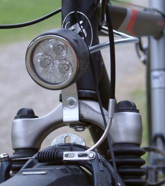 Самодельная велосипедная фара с тремя светодиодами luxeon
