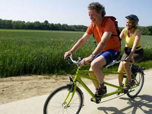 Тандем – двухместный велосипед