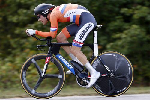 Том дюмулен - чемпион мира в гонке с раздельным стартом