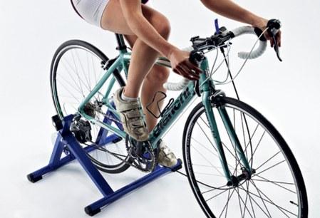 Тренировки на вело-трейнере — в чем разница с реальностью