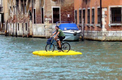 В венеции запретили велосипеды