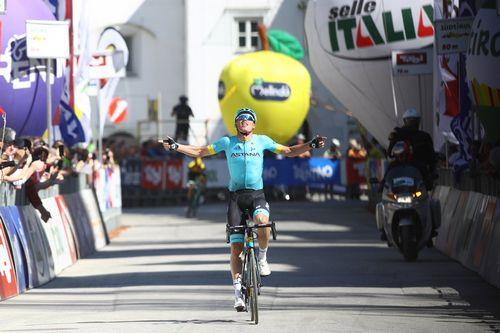 Вуэльта бургоса: карлос барберо выиграл первый этап