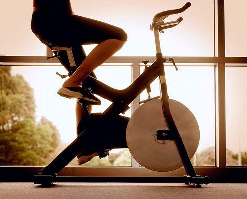 Занятия на велотренажере — польза и вред