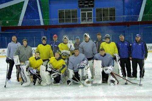 Звезды югры провели мастер-класс для юных хоккеистов